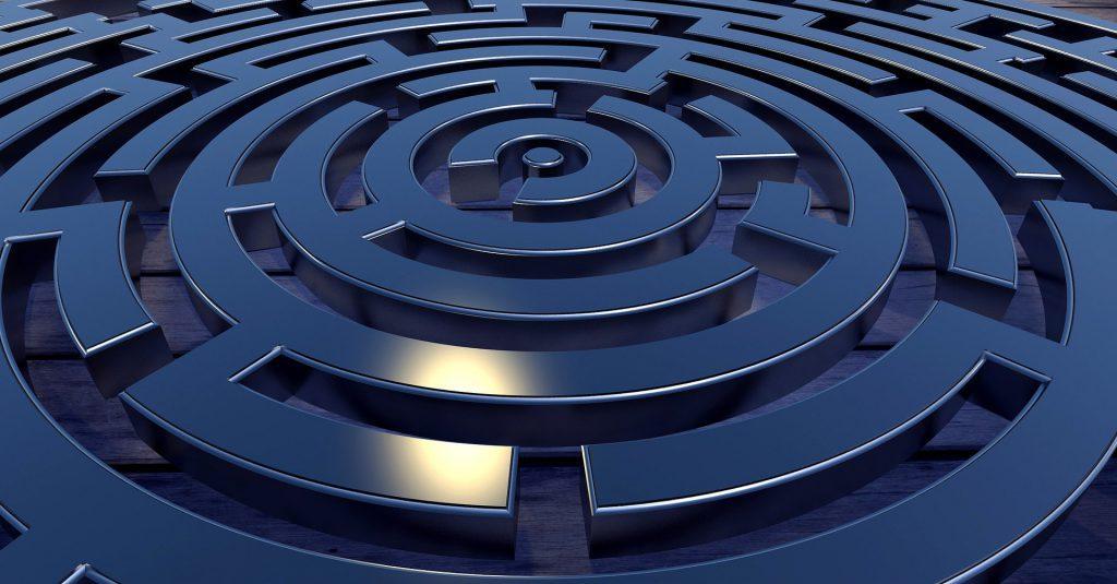Immagine di labirinto per articolo su www.belabs.it